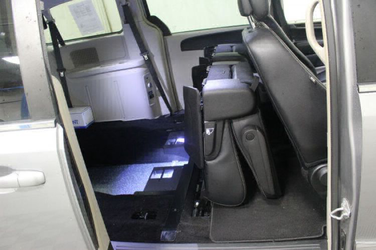 2016 Chrysler Town and Country Touring Wheelchair Van For Sale #7