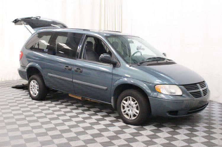2006 Dodge Grand Caravan SE Wheelchair Van For Sale #3