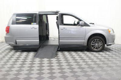 2017 Dodge Grand Caravan Wheelchair Van For Sale -- Thumb #2