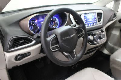 2017 Chrysler Pacifica Wheelchair Van For Sale -- Thumb #22