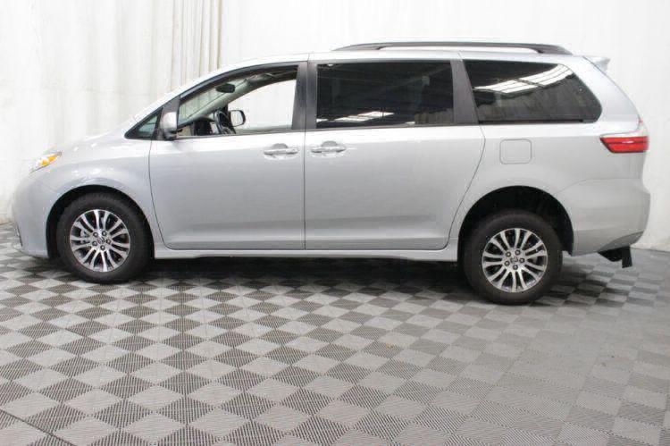 2019 Toyota Sienna XLE Wheelchair Van For Sale #30