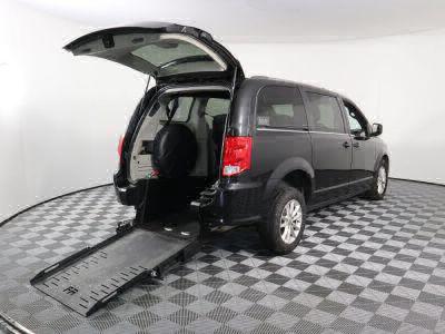Commercial Wheelchair Vans for Sale - 2018 Dodge Grand Caravan SXT ADA Compliant Vehicle VIN: 2C4RDGCG4JR253617