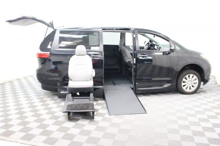 2017 Toyota Sienna Limited Wheelchair Van For Sale #10