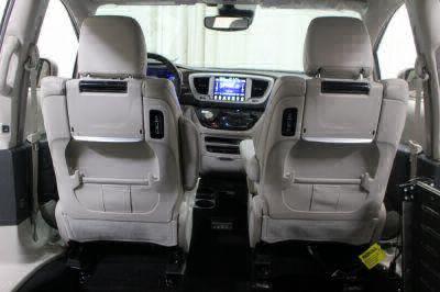 2017 Chrysler Pacifica Wheelchair Van For Sale -- Thumb #29