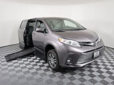 Handicap Van for Sale - 2019 Toyota Sienna XLE Wheelchair Accessible Van VIN: 5TDYZ3DC9KS992167