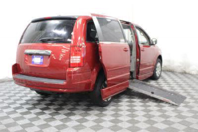 2009 Chrysler Town & Country Wheelchair Van For Sale