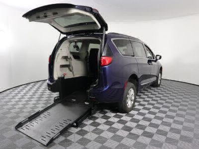 Commercial Wheelchair Vans for Sale - 2017 Chrysler Pacifica Touring-L ADA Compliant Vehicle VIN: 2C4RC1BG7HR587538