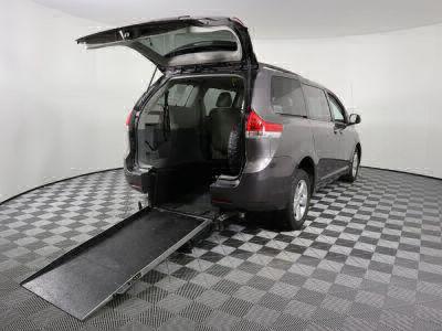 Used Wheelchair Van for Sale - 2014 Toyota Sienna LE Wheelchair Accessible Van VIN: 5TDKK3DC0ES495328