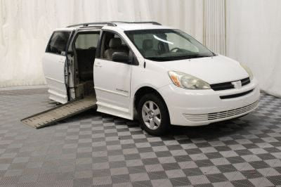 Used 2005 Toyota Sienna LE Wheelchair Van