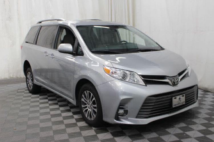 2019 Toyota Sienna XLE Wheelchair Van For Sale #5