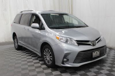 2019 Toyota Sienna Wheelchair Van For Sale -- Thumb #5