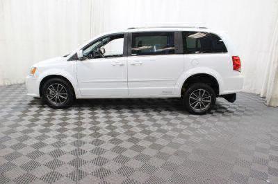 2017 Dodge Grand Caravan Wheelchair Van For Sale -- Thumb #18