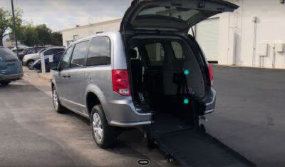 Commercial Wheelchair Vans for Sale - 2019 Dodge Grand Caravan SE ADA Compliant Vehicle VIN: 2C4RDGBGXKR585662