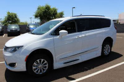 2018 Chrysler Pacifica Wheelchair Van For Sale -- Thumb #5