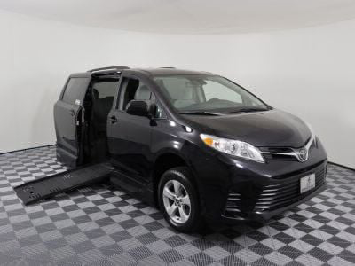 New Wheelchair Van for Sale - 2018 Toyota Sienna LE Wheelchair Accessible Van VIN: 5TDKZ3DC2JS933689