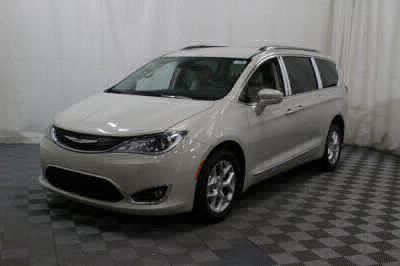 2017 Chrysler Pacifica Wheelchair Van For Sale -- Thumb #11