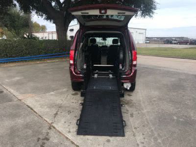 Commercial Wheelchair Vans for Sale - 2018 Dodge Grand Caravan SXT ADA Compliant Vehicle VIN: 2C4RDGCG5JR282530