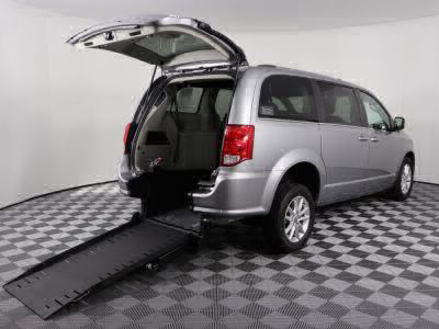 Commercial Wheelchair Vans for Sale - 2019 Dodge Grand Caravan SXT ADA Compliant Vehicle VIN: 2C4RDGCG5KR513413