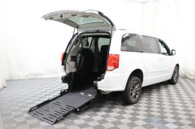 Commercial Wheelchair Vans for Sale - 2017 Dodge Grand Caravan SXT ADA Compliant Vehicle VIN: 2C4RDGCG4HR783211