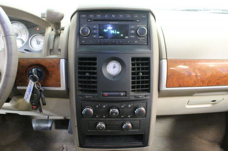 2008 Chrysler Town and Country Touring Wheelchair Van For Sale #37