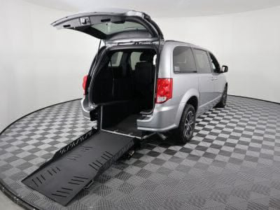Commercial Wheelchair Vans for Sale - 2018 Dodge Grand Caravan GT ADA Compliant Vehicle VIN: 2C4RDGEG7JR337038