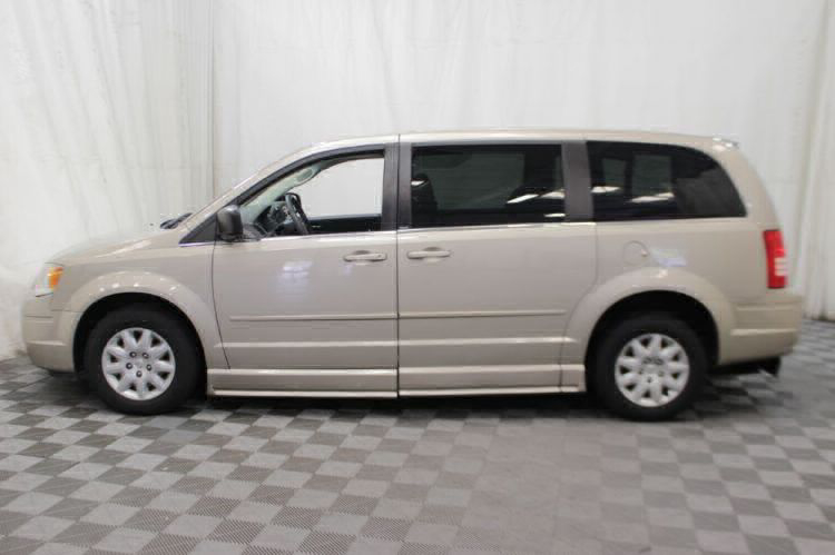 2009 Chrysler Town and Country LX Wheelchair Van For Sale #33