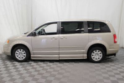 2009 Chrysler Town and Country Wheelchair Van For Sale -- Thumb #33
