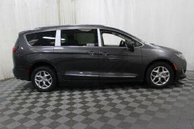 2017 Chrysler Pacifica Wheelchair Van For Sale -- Thumb #5
