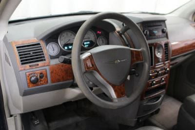 2009 Chrysler Town and Country Wheelchair Van For Sale -- Thumb #16
