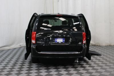 2016 Dodge Grand Caravan Wheelchair Van For Sale -- Thumb #8