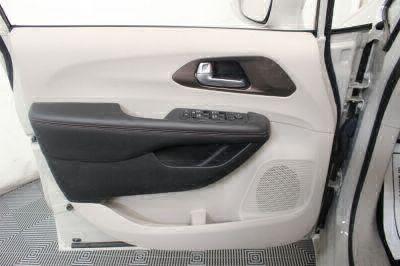 2017 Chrysler Pacifica Wheelchair Van For Sale -- Thumb #25