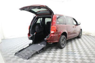 Commercial Wheelchair Vans for Sale - 2017 Dodge Grand Caravan GT ADA Compliant Vehicle VIN: 2C4RDGEG8HR714082