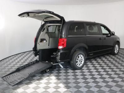 Commercial Wheelchair Vans for Sale - 2019 Dodge Grand Caravan SXT ADA Compliant Vehicle VIN: 2C4RDGCG4KR511054