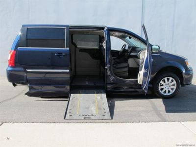 Used Wheelchair Van for Sale - 2014 Chrysler Town & Country Touring Wheelchair Accessible Van VIN: 2C4RC1BG2ER163728