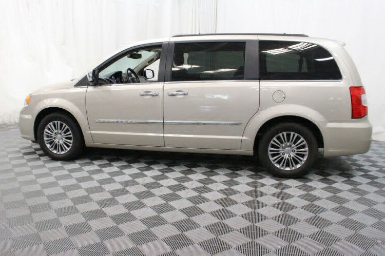 2014 Chrysler Town and Country Touring-L Wheelchair Van For Sale #5