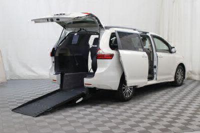 Commercial Wheelchair Vans for Sale - 2018 Toyota Sienna XLE ADA Compliant Vehicle VIN: 5TDYZ3DC1JS956309