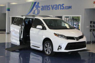Commercial Wheelchair Vans for Sale - 2018 Toyota Sienna SE Premium ADA Compliant Vehicle VIN: 5TDXZ3DC5JS943722