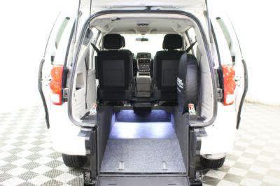2015 Dodge Grand Caravan Wheelchair Van For Sale -- Thumb #5