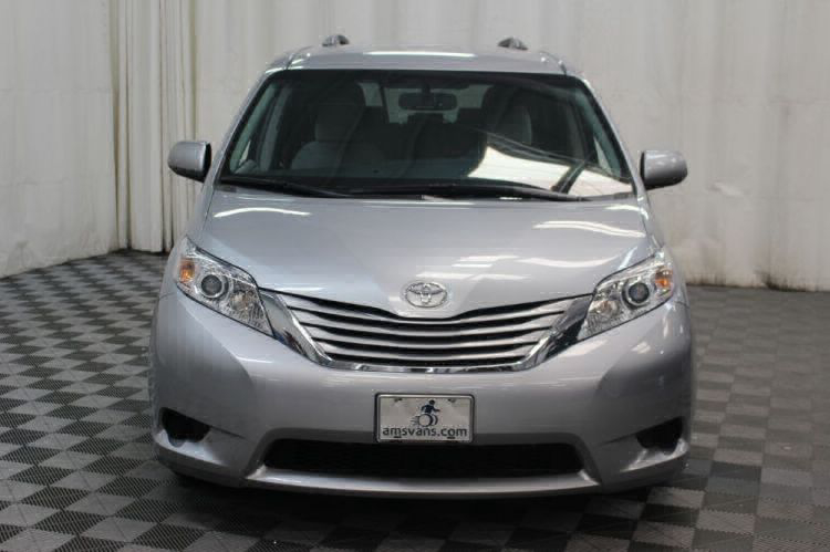 2015 Toyota Sienna LE Wheelchair Van For Sale #19