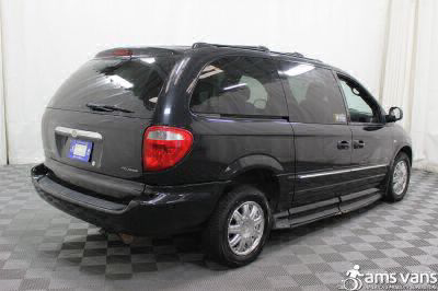 2004 Chrysler Town and Country Wheelchair Van For Sale -- Thumb #16