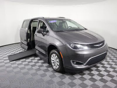 Handicap Van for Sale - 2018 Chrysler Pacifica Touring-L Wheelchair Accessible Van VIN: 2C4RC1BG0JR119527